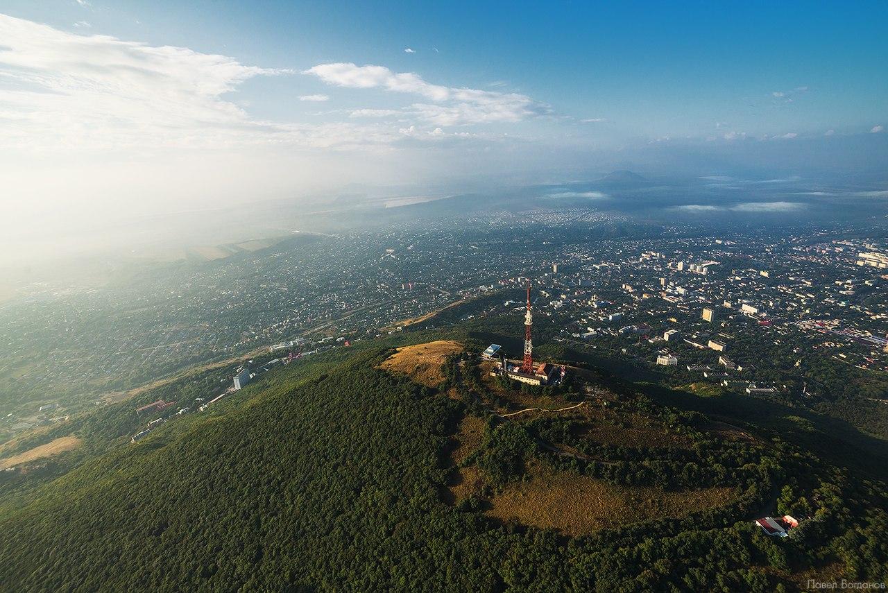 Вид на вершину Машука с высоты